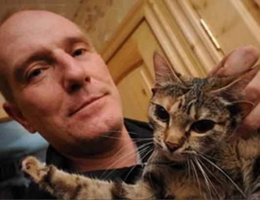 Воронежский ученый приютил у себя пятиухую кошку