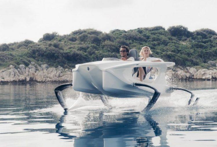 Электрический катер, работающий на подводных крыльях, может достигать 40 км/ч