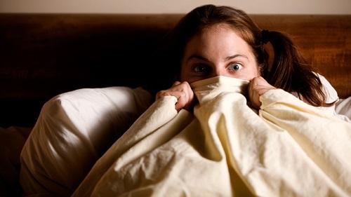 Депрессия и бессонница увеличивают риск частых ночных кошмаров