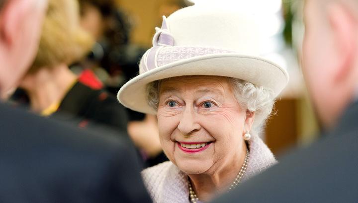 """Журналистка BBC почти """"похоронила"""" королеву Елизавету II в """"Твиттере"""""""