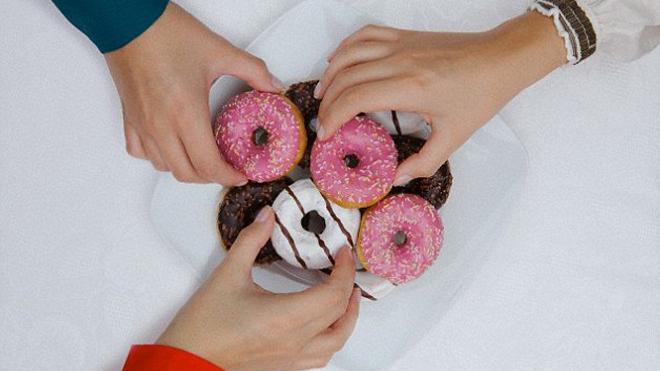 Ученые рассказали о зависимости сна от еды