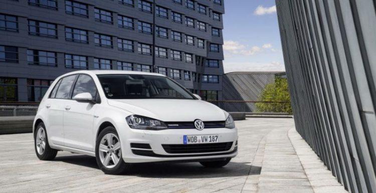Компания Volkswagen презентовала экономичную модификацию Golf TSI BlueMotion