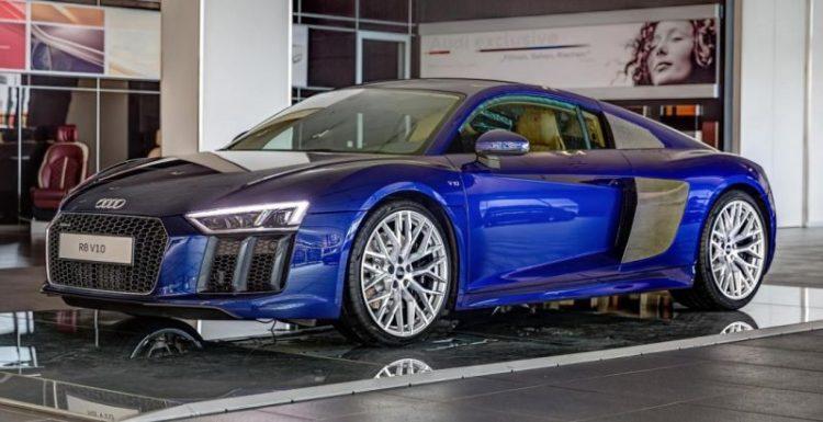 В Германии презентовали Audi R8 V10 Plus в эксклюзивном окрасе кузова Santorini Blue