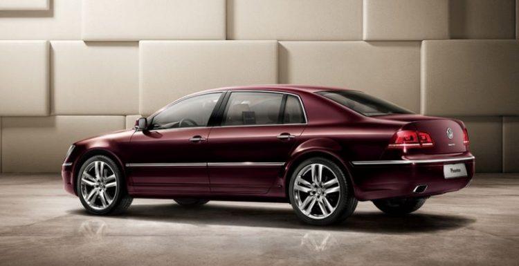 Volkswagen презентовала слегка модернизированный флагманский седан Phaeton