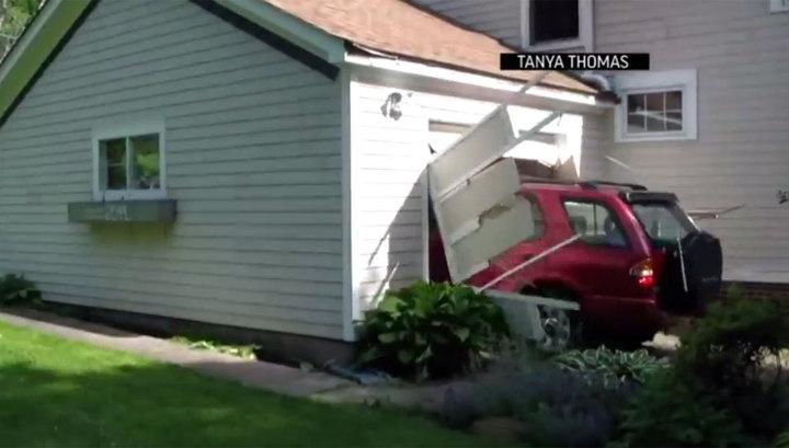 91-летний пенсионер протаранил на джипе гараж, чем исполнил давнюю мечту