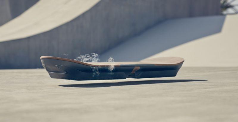 Lexus рассекретила первый рабочий прототип летающего скейтборда– ховерборд Lexus Hoverboard