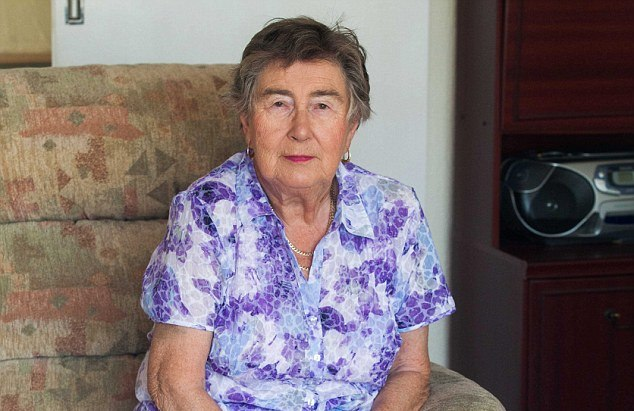 80-летняя британка покусала овчарку, спасая терьера