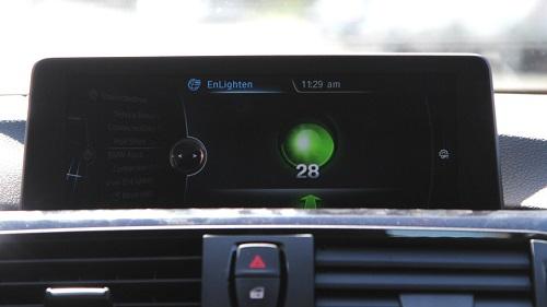 Автомобили BMW смогут рассказать водителю о сигналах светофора