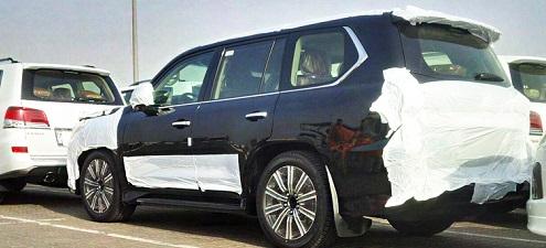 В Дубае был замечен обновленный Lexus LX570
