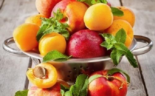Диетолог сообщил, что фрукты очень полезны, но ими нельзя чрезмерно увлекаться