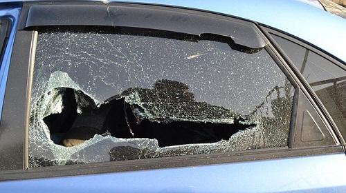 Неизвестные расстреляли автомобиль в Киевской области