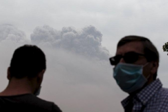 Правительство Эквадора из-за извержения вулкана Котопахи готово ввести режим ЧС