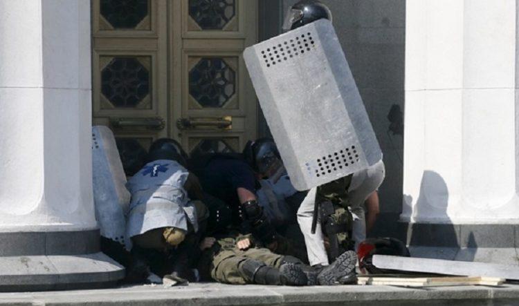 Аваков прокомментировал гибель нацгвардейца вследствие столкновений под Радой