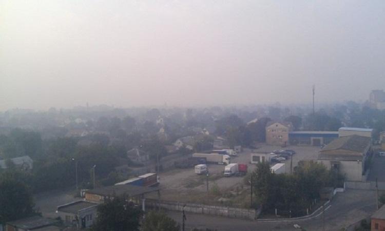 Из-за едкого дыма в столице временно приостановили работу школы и детские сады