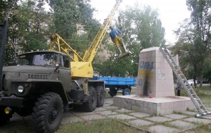В Киеве намерены демонтировать около сотни памятников советского времени