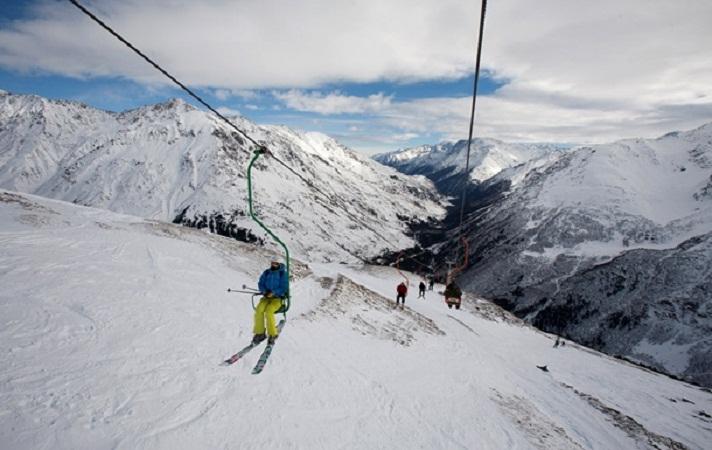 С вершины Эльбруса неизвестные увезли 75-килограммовая штангу