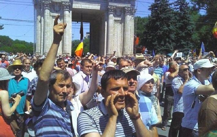 В Молдавии протестуют против президента страны Николая Тимофти