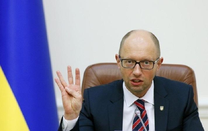 Яценюк перечислил главные условия мира и проведения выборов в Донбассе