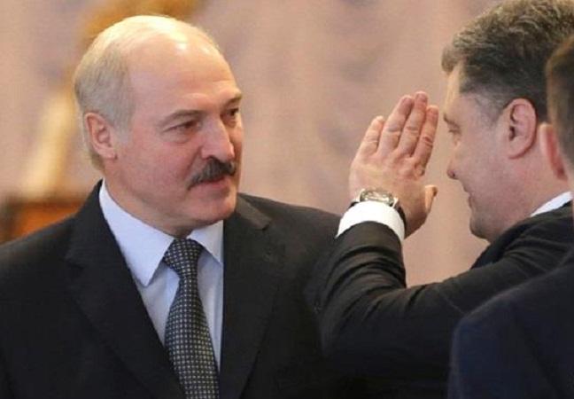 Петр Порошенко поздравил Лукашенко с победой в выборной гонке