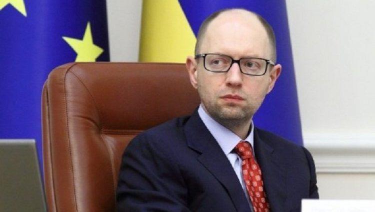 Яценюк поручил проводить регистрацию предпринимателей в течение одних суток