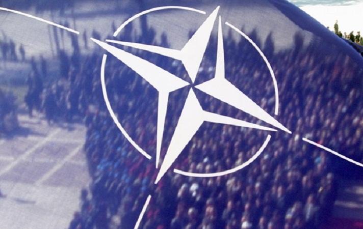 НАТО обратилось к РФ с требованием прекратить авиаудары по сирийской оппозиции