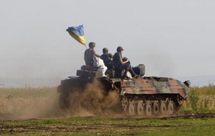 Украинские ВСУ готовы начать отвод танков на Луганщине 5 октября