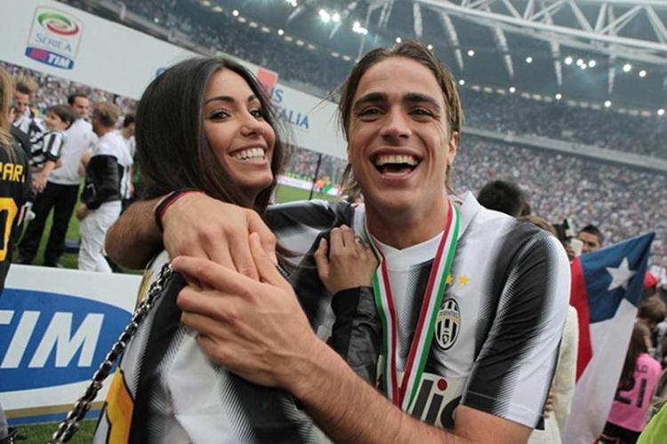 Известные футболисты и их красавицы-жены