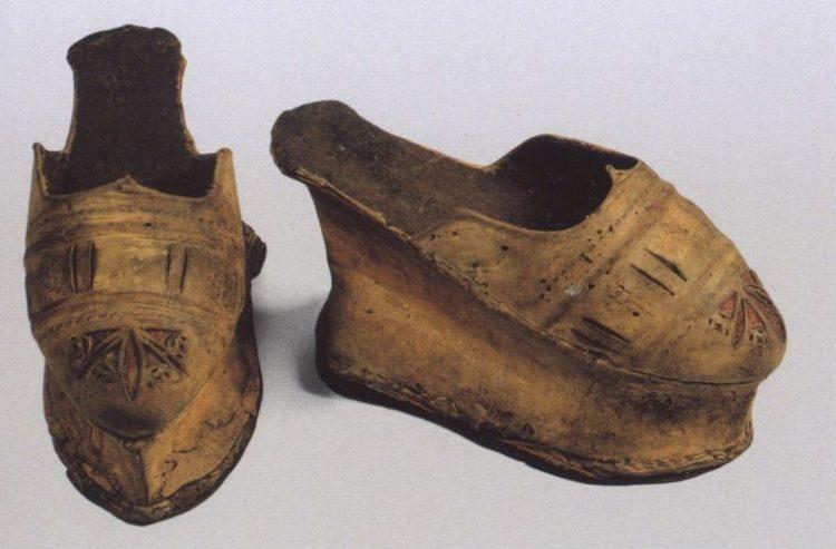 История изобретения каблуков и их популяризации