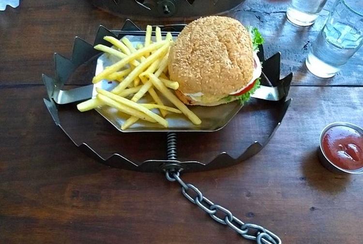 Приятного аппетита: 40 самых нелепых способов подачи блюд в ресторанах